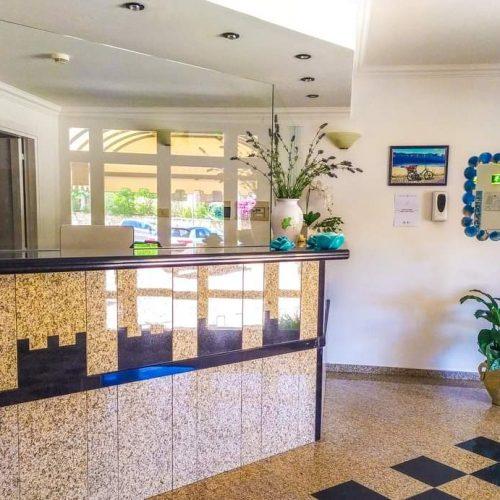 hotel-castello-golfo-aranci-accoglienza-reception